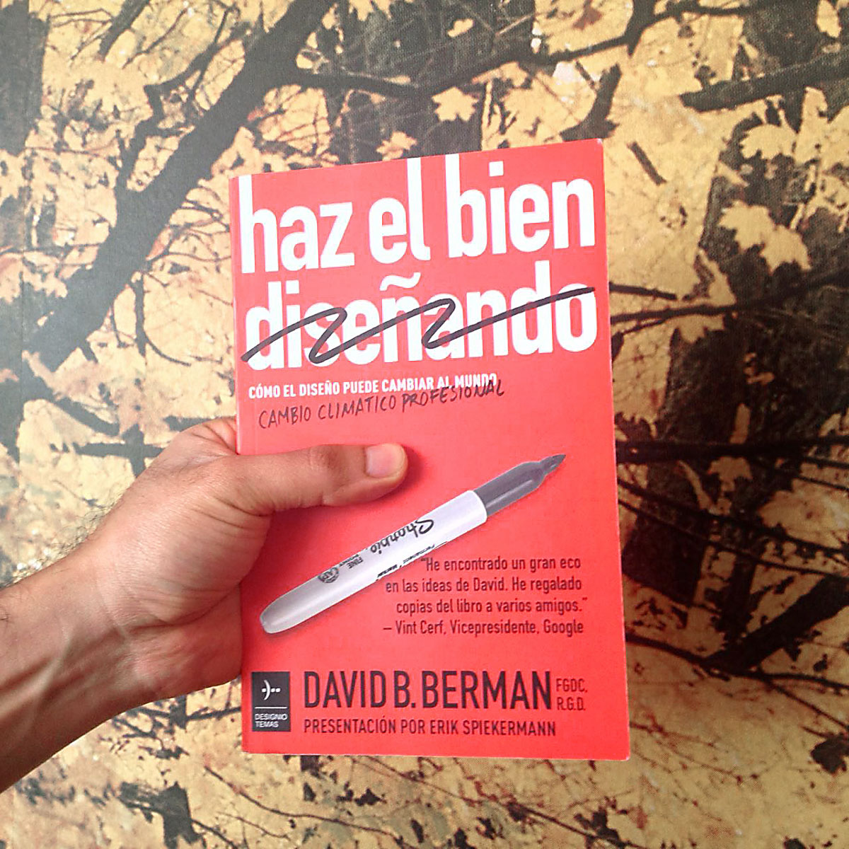 Book: Spanish edition of Do Good [Design], by David Berman
